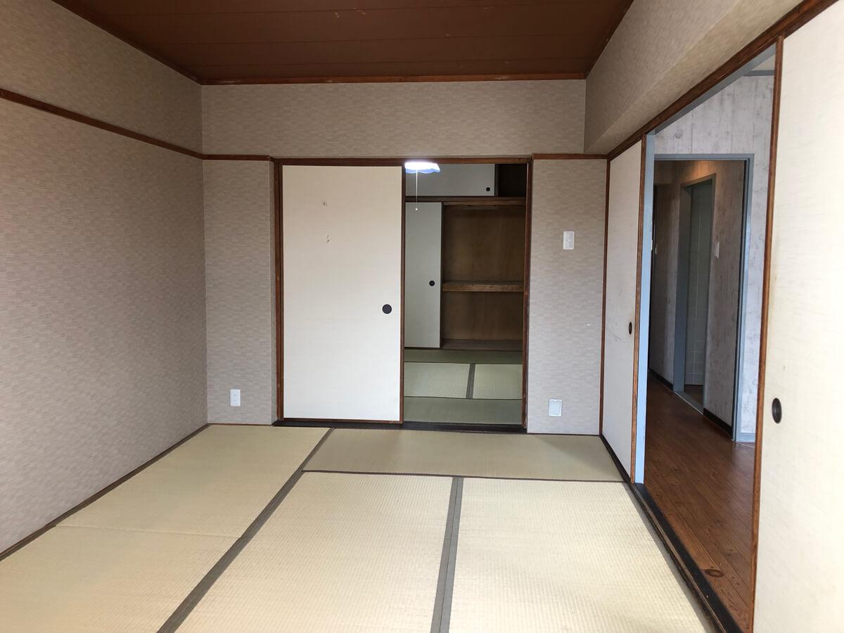 リビング横には二間続きの和室が並びます。
