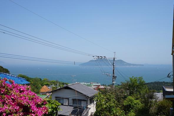 リビングからの眺望。志賀島と能古島を一望