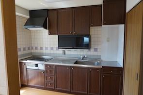 キッチンも広く機能の収納も充実してます。
