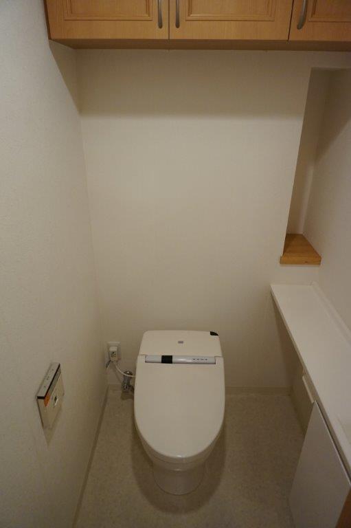 もちろん温水洗浄付きトイレです