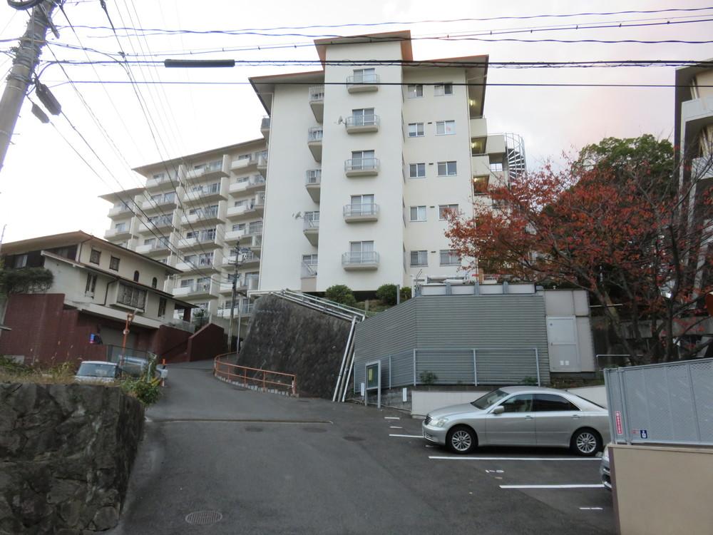 坂の上のマンション