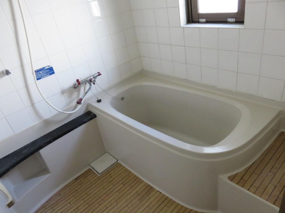 お風呂。在来工法か?